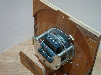 60 seconds input slave clock marked as smiths ?it does work switches the hour