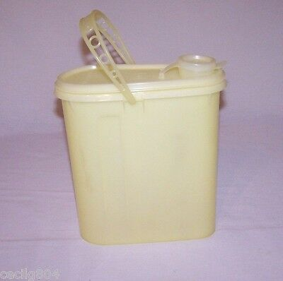Tupperware # 587 Yellow Beverage Buddy With Seal And Handle  L@@k