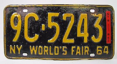 NYWF 1964 1965 New York World's Fair License Plate 9C-5243 embossed metal NY Plt