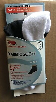 MD USA Seamless Comfort Seamless Toe Diabetic Ankle Socks, White/Black