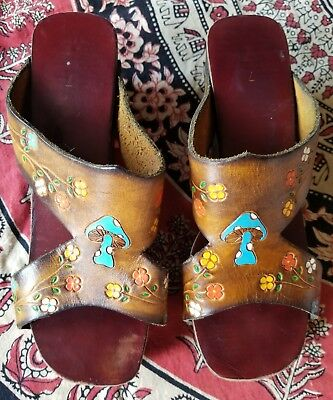 VTG 70s VINTAGE HIPPIE BOHO WOOD LEATHER TOOLED PLATFORM WEDGE SHOES SANDALS 7