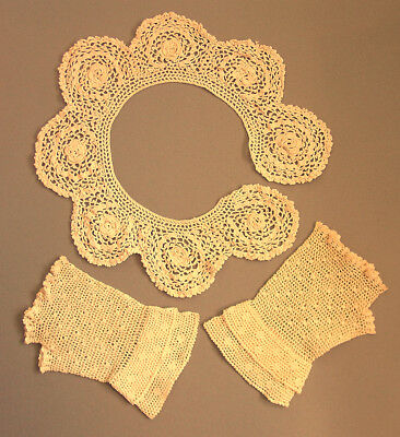 Vintage Ecru Crocheted Collar and Gloves/Mitts
