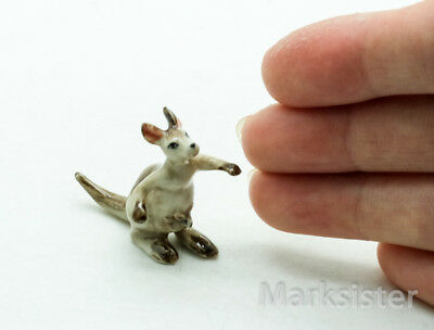 Figurine Animal Farm Miniature Ceramic Statue Tiny Kangaroo - COT003