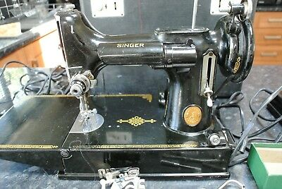 Vintage early 1950 Singer 221k Featherweight Sewing Machine C/W Toolkit & Manual