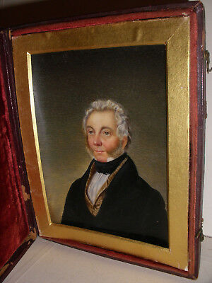 Fine Antique 18/19th English or American school miniature man painting portrait