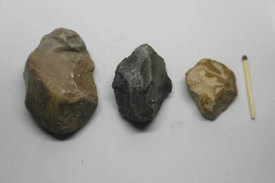 Nice Prehistoric tools and shards Arrowhead STONE AGE PALEOLITHIC FLINT lot of 3