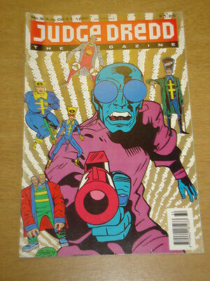 2000Ad Megazine #8 Vol 2 Judge Dredd*