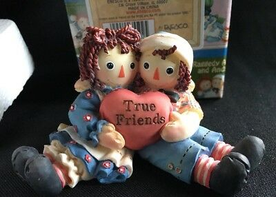 Enesco Raggedy Ann & Andy TRUE FRIENDS holding heart figurine new box figurine