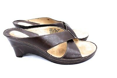 2c4304eb063 Women s Clarks Artisan Brown Leather Slide Sandals US 8.5 M NWOB Comfort