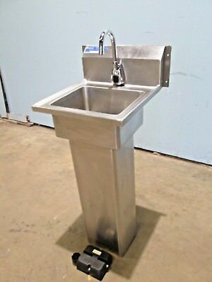 """universal"" Commercial (Nsf) S.s. Motion Activated Free Standing Hand Wash Sink"