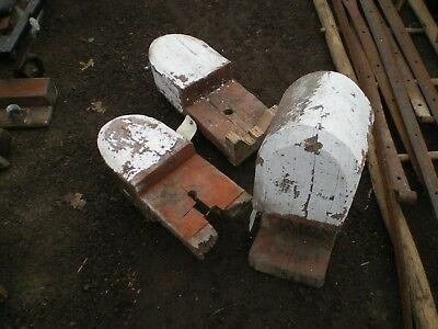 Old END of BARN BEAM or COLUMN END Heavy Wood