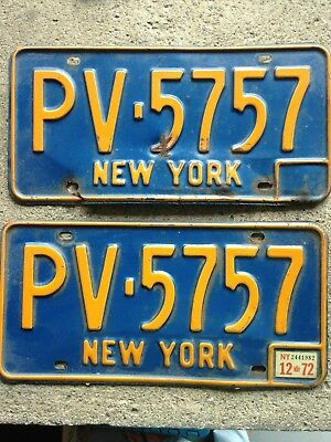 PLEASANT VALLEY ( Dutchess County)  2 NY Vintage License Plates 1971 w/ 1972 tag