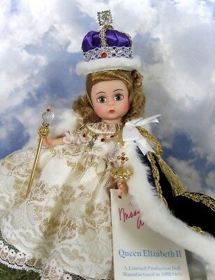 Vintage 8 In Limited Prod. 1 Yr Only Queen Elizabeth Ii Doll By Madame Alexander