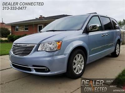 Town & Country Touring 2013 Chrysler Town & Country Touring w/ 81,543 Miles & Warranty