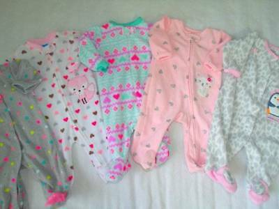 LOT of 5 FLEECE sz 0-3 MONTHS baby girl sleepers Carters