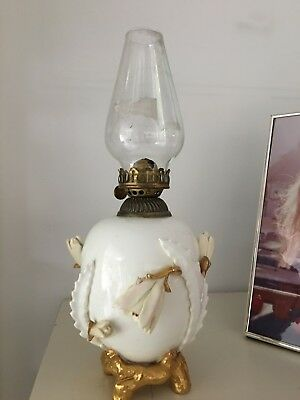 small MOORE-Bros-ENGLISH-PORCELAIN-OIL-LAMP-CIRCA-1870 cactus flowers