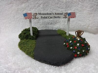 Wee Forest Folk base Barb & Rhoda's Pedal Car Derby display base Patriotic r/w/b