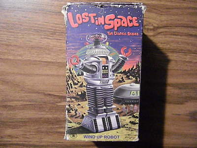 1 Lost In Space: The Classic Series / Wind Up Robot / 1998 In Box / B-9 / L@@k!