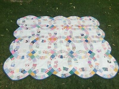Antique 1940s Calico Cotton Double Wedding Ring Quilt  77 x 64 All Hand Quilted