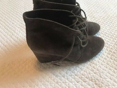 87d85a1ba0d Clarks Artisan Purity Frost Brown Suede Ankle Boots Wedge Lace Up Booties  6.5 B3