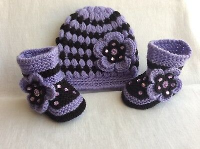 New Hand Knitted Roman baby  Girl Booties /crochet Hat 0-3 Months