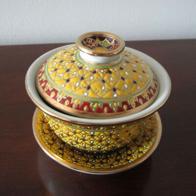 Thai porcelain benjarong pottery gold leaf & handpainted tea cup with a lid