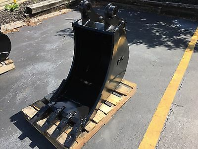"New 18"" Case  CX80 Heavy Duty Excavator Bucket with Coupler Pins"