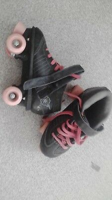 Girls roller skates 14cm Black with pink wheels and pink laces