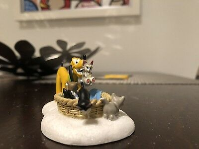 """DEPT 56 DISNEY VILLAGE Accessory """"Pluto's Kittens"""" Retired and Rare-Must Have!"""