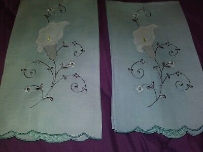 """2 Beautiful Madeira Embroidered and Applique Linen Hand Towels 17"""" by 10 1/2"""""""