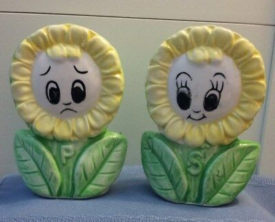 Vintage Anthropomorphic Sunflower Or Daisy Salt & Pepper Shakers!!!