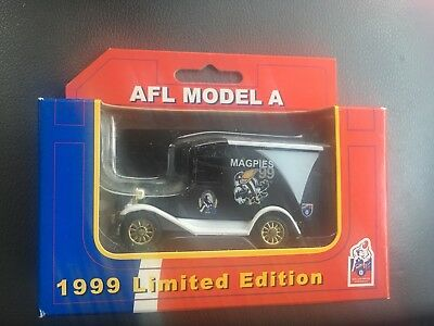 AFL COLLINGWOOD MAGPIES 1999 Limited Edition Matchbox Style Car *boxed*
