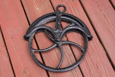 Vtg Cast Iron Water Well Pulley Wheel Farm house Steampunk Industrial Decor 10¾""