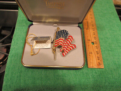 Excellent Trifari Ladies Brooch Beautiful United States Flag With Tag And Box