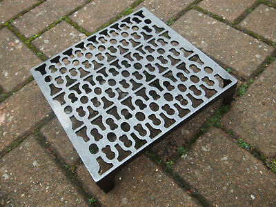 Quality Cast Iron air Brick Vent Cast Air vent 9 x 9  Victorian Pattern