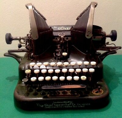 ANTIQUE THE OLIVER STANDARD VISIBLE TYPEWRITER No5 C1911 Serial No320014