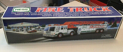 2000 Hess Collectible Toy Fire Truck Real Lights Horn Siren NEW IN Mint BOX NIB
