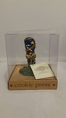 1997 Wilton Shakerhearth Simply Good Things Snowflake Cookie Press/stamp
