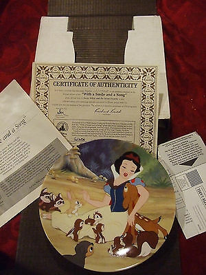 NEW COMPLETE Knowles Collector Plate Disney - Snow White - With A Smile & Song