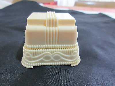 Vintage Bakelite Art Deco Wedding Cake Double ring box. In excellent condition