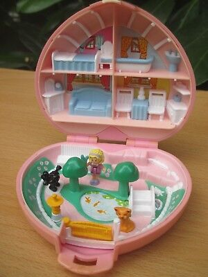 POLLY POCKET mini HERZ DOSE Bluebird 1989 + 3 FIGUREN POLLY`s COUNTRY COTTAGE