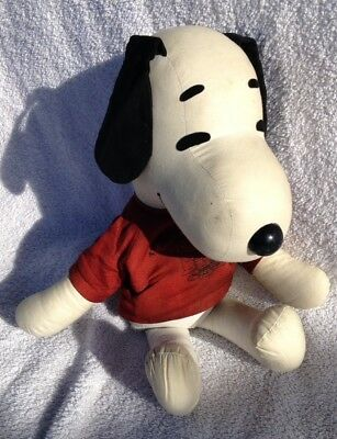 🔴 Vintage 1968 United Feature Syndicate Snoopy Peanuts Doll with clothes