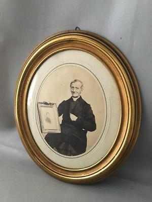 ANTIQUE VTG VICTORIAN BRASS OVAL WALL PICTURE FRAME w ANTIQUE PHOTO?