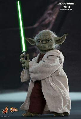 Hot Toys MMS495 Star Wars Episode II Attack of the Clones Yoda 1/6 Action Figure
