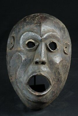 Wide Timor mask with expressive face