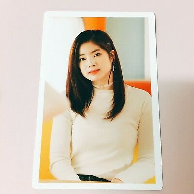[TWICE] DAHYUN Photocard Merry Happy Monograph Official New Limited Edition 다현