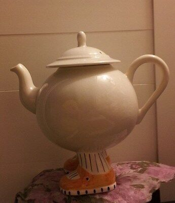 Vintage Carlton Ware Lustre Teapot With Sunny Yellow Shoes!!!