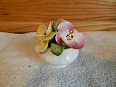Rosina Queens Small Vase With Special Flowers Pansy August Bone