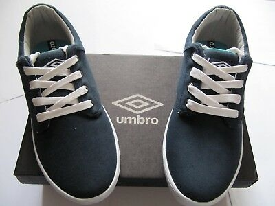1be5783a4a3034 Sneakers Chaussures en toile bleu marine Marque UMBRO Neuves Pointure 37 1/2