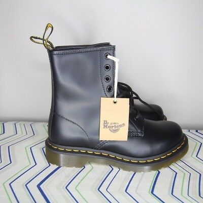 NEW DR MARTENS 1460 Smooth 8 Eyelet Boots Women s Size US 6L UK 4 EU ... f7a447c98fb0